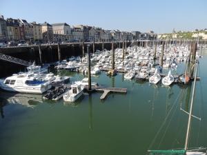 LW Dieppe Harbour