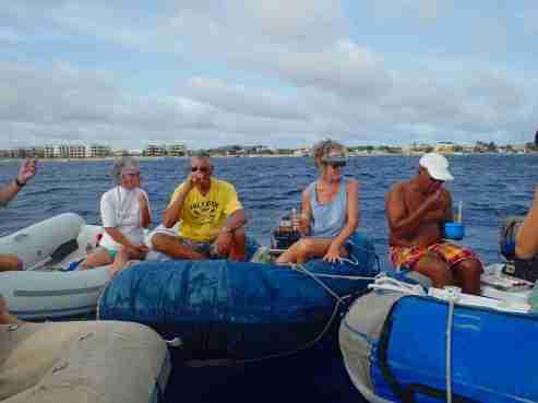 Dingy drifting towards Klein Bonaire