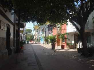 Main road Santa Marta Old town